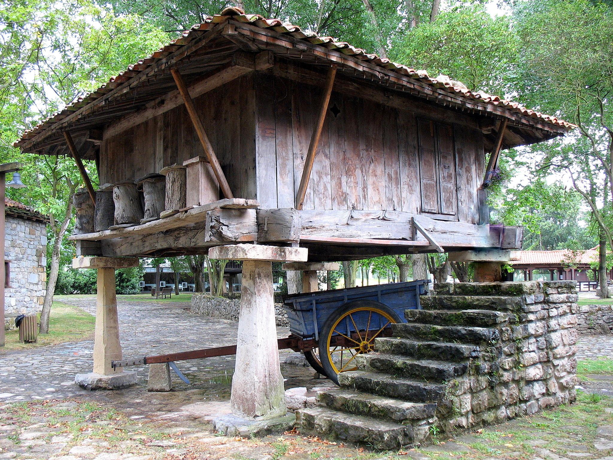 pueblo-de-asturias01